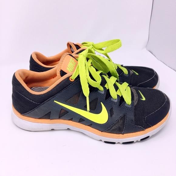 Punto de exclamación hígado dos semanas  Nike Shoes   Flex Supreme Tr 2 Womens Athletic Sz 8   Poshmark